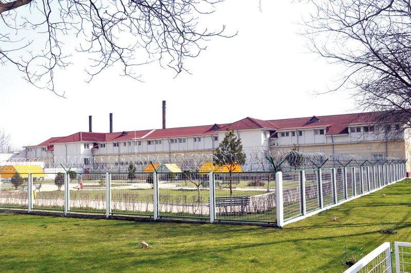 Sărbători pascale din închisoare pentru greii din fotbal
