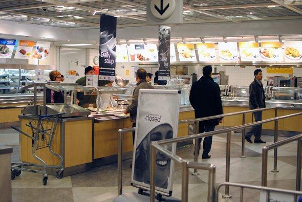 Schimbarea pe care o face IKEA în România. Ce se va servi de acum la restaurant