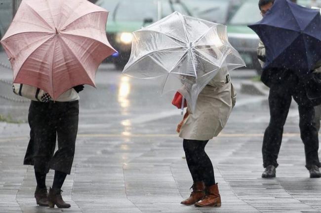 Veste REA din partea meteorologilor. Cod GALBEN de ploi în judeţele deja afectate de INUNDAŢII