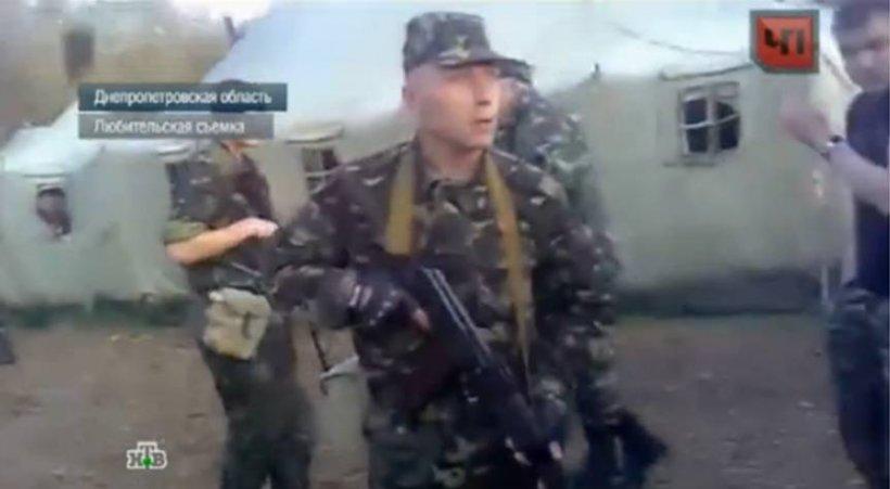Soldaţii dintr-o unitate militară ucraineană s-au luat la harţă cu superiorii. Au fost trase focuri de armă!