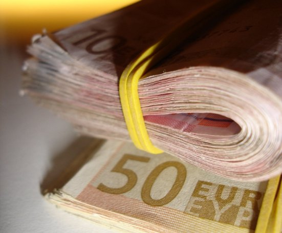 Transparency International: Instituţiile Uniunii Europene riscă să fie afectate de corupţie