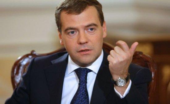 Medvedev ameninţă Republica Moldova cu sancţiuni economice