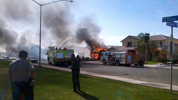 Un avion american de luptă s-a prăbuşit într-un cartier rezidenţial din California