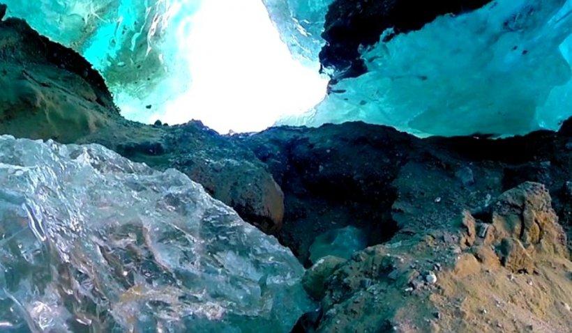 Japonia vrea să colecteze gheață veche de milioane de ani din Antarctica pentru studii climatice