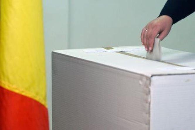 Sondaj. Dacă duminica viitoare ar avea loc alegeri prezidenţiale, cine ar câştiga?
