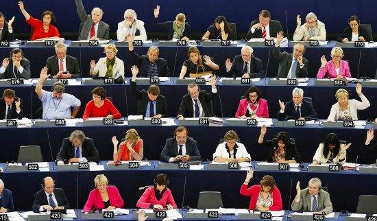 Parlamentul European se reuneşte, astăzi, în prima sesiune plenară