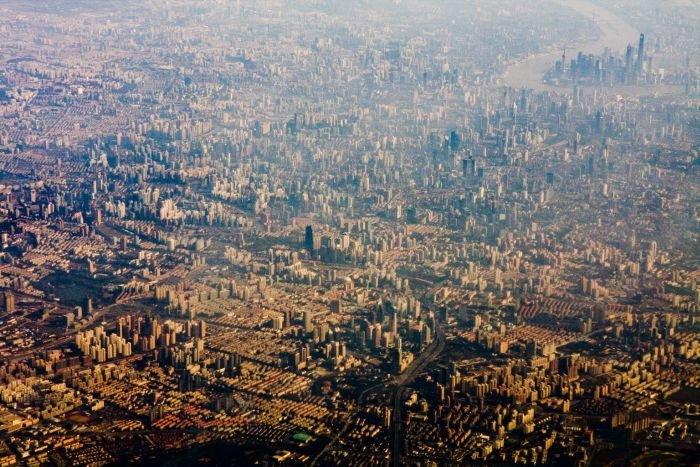 Cum arată cel mai aglomerat oraş din lume, văzut din avion. Aproape 15 milioane de oameni trăiesc aici