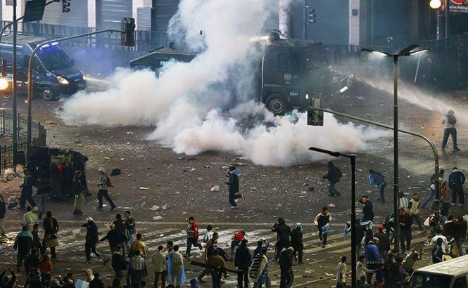 Buenos Aires. Incidente violente între suporterii naţionalei şi poliţişti, după ce Argentina a pierdut finala CM 2014
