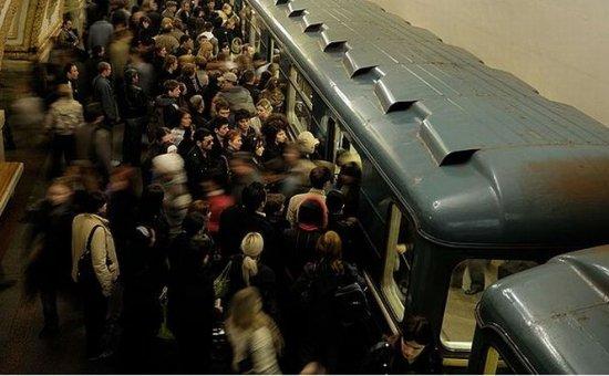 Crește bilanțul victimelor incidentului de la metroul din Moscova: 20 morți și peste 160 de răniți