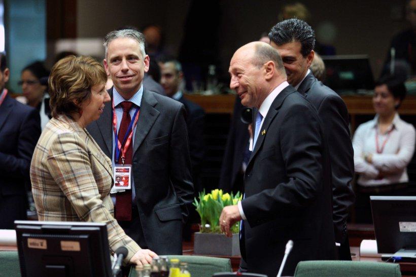 În timp ce fratele său trece prin momente grele, Traian Băsescu pleacă azi spre Bruxelles, la Consiliul European Extraordinar