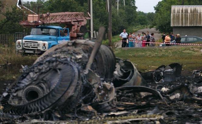 Observatorii OSCE ajung de-abia mâine la locul prăbuşirii avionului Malaysian Airlines MH17