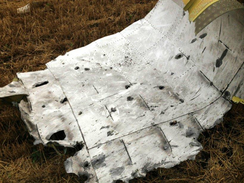 Resturile MH17 oferă indicii despre racheta care a provocat DEZASTRUL aerian
