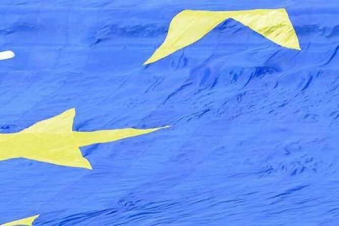 Uniunea Europeană va pregăti sancţiuni împotriva Rusiei în domeniul apărării