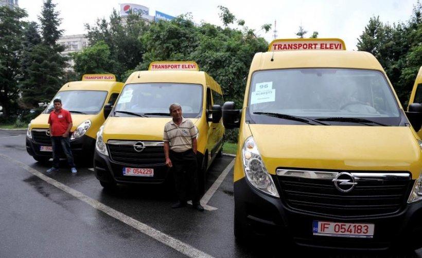 Premierul Victor Ponta a înmânat cheile primelor 100 de microbuze destinate transportului şcolar în mediul rural