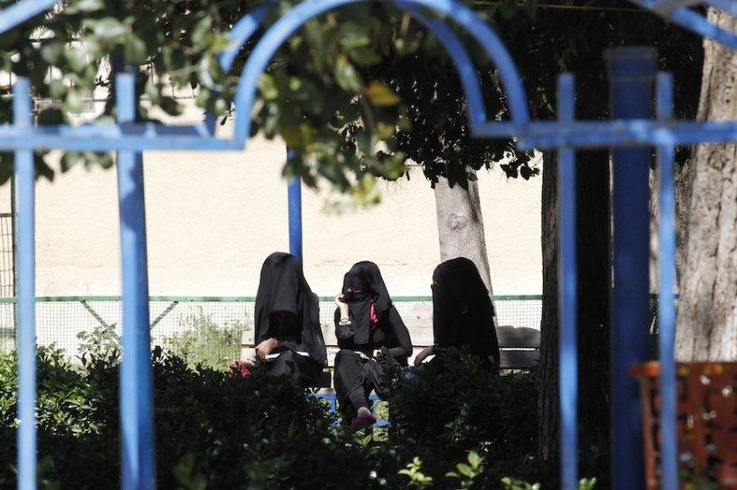 Teroriştii ISIL şi-au deschis agenţie matrimonială în Siria: Recrutează neveste pentru jihadişti