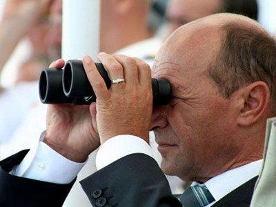 """Suspendarea lui Traian Băsescu, o armă cu două tăişuri. Ce ar putea CERE Băsescu: """"Riscăm să împărţim mărţişoare tot cu el în funcţie"""""""