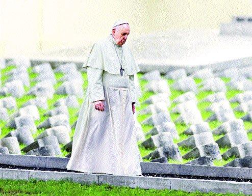 """Papa Francisc, radiografie dură a prezentului: """"AZI trăim al TREILEA Război Mondial"""""""