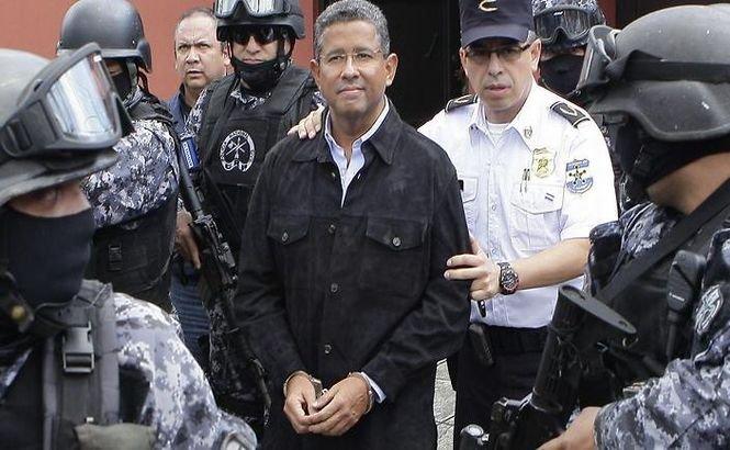 Fostul preşedinte din El Salvador a fost ÎNCHIS pentru corupţie