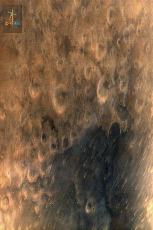 Primele imagini de pe Marte, transmise cu sonda indiană low-cost