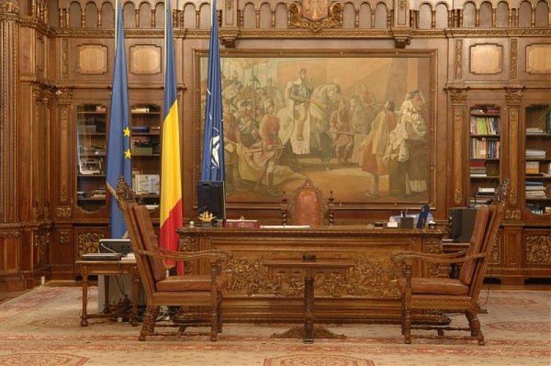 TOTUL despre alegerile prezidenţiale: alegerea şi atribuţiile preşedintelui României