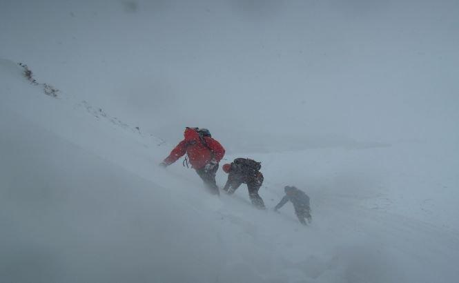 4 persoane au murit într-o furtună de zăpadă din Himalaya