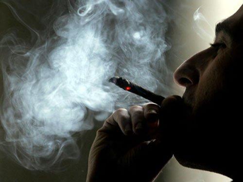Tratamentul fumătorilor, gaură în bugetul Sănătăţii. 1,2 MILIARDE de lei anual merg la tratarea celor îmbolnăviţi din cauza tutunului