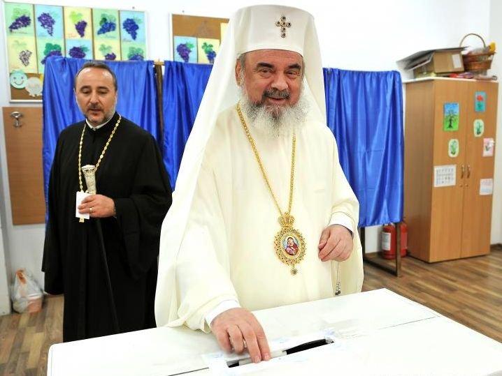 Sinodul BOR îndeamnă clerul și credincioșii BOR să participe la votul de duminică