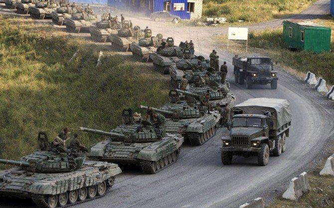 Casa Albă: Deplasări de trupe ruse la frontiera cu Ucraina. Moscova  pretinde dovezi | Antena 3