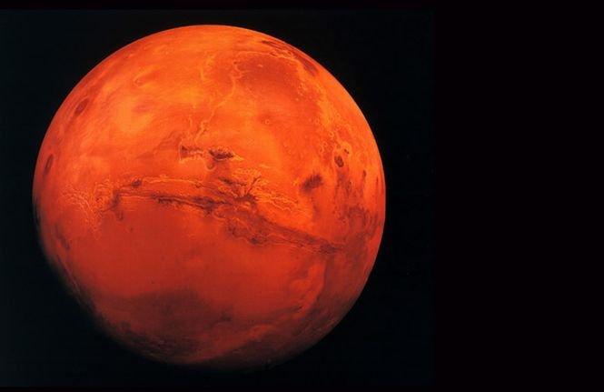 90.000 de pământeni trimit vineri mesaje către Marte