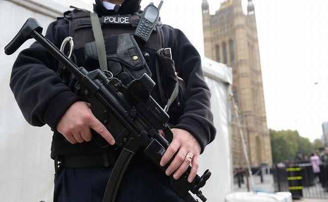 7 suspecţi de TERORISM au fost arestaţi în Marea Britanie