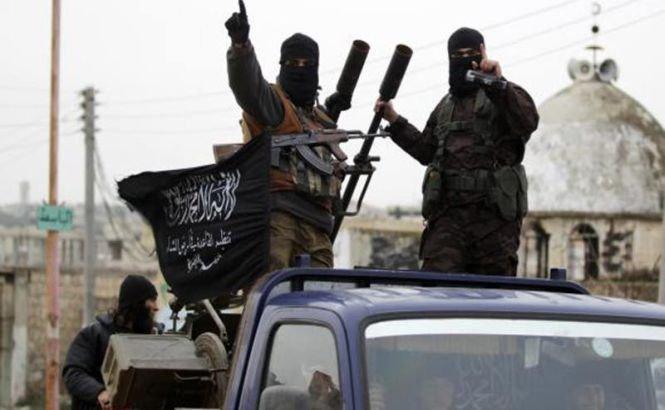 100 de soldaţi sirieni şi 80 de jihadişti au murit în lupta pentru controlul bazei Wadi al-Deif