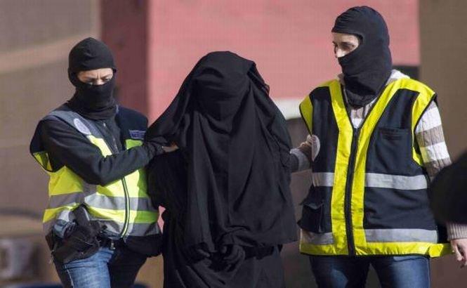 7 persoane arestate în Spania şi Maroc pentru trimiterea de femei pe frontul jihadist