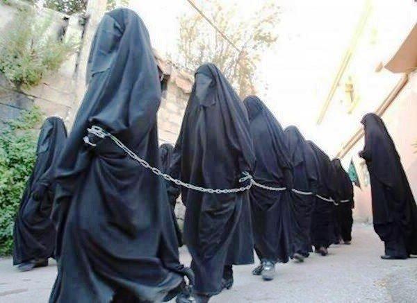 150 de fete şi femei au fost EXECUTATE de un terorist irakian, după ce refuzau căsătorii cu membri ai grupului Stat Islamic