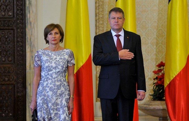 Recepţie organizată la Cotroceni, după preluarea mandatului de preşedinte. Pe cine NU a invitat Iohannis la petrecere