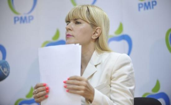 Elena Udrea poartă încă un război cu un fost apropiat al lui Traian Băsescu