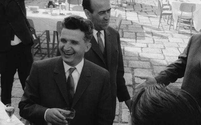 """""""Nu şi-ar fi imaginat vreodată ce avea să i se întâmple"""". Ce făcea Nicolae Ceauşescu: """"Elena CONDUCEA chiar şi acolo"""""""
