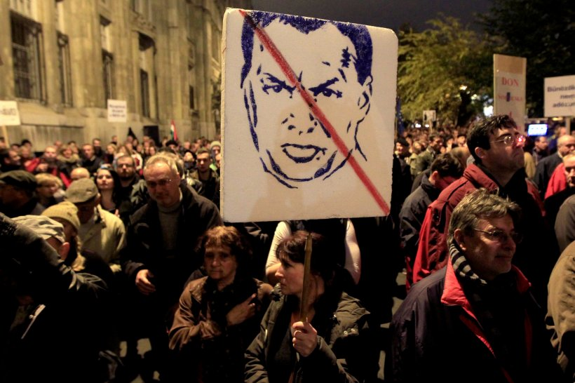 Proteste de amploare la Budapesta, unde mii de persoane au condamnat politicile premierului Viktor Orban
