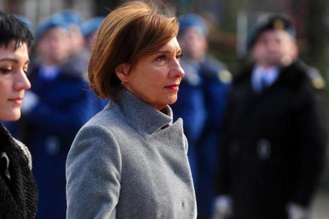 Carmen Iohannis va rămâne profesoară la Sibiu
