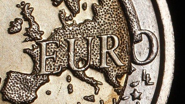 Avertismentul analiştilor financiari: Economia zonei euro este în pericol să recadă în recesiune