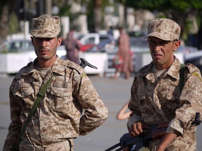 Guvernul libian cere comunităţii internaţionale arme pentru a lupta împotriva miliţiilor