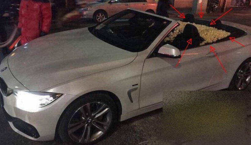 """Cine s-a dat jos din această maşină de LUX şi a făcut cererea în CĂSĂTORIE în mijlocul străzii: """"Am încremenit. Avea SUTE de trandafiri în maşină"""""""