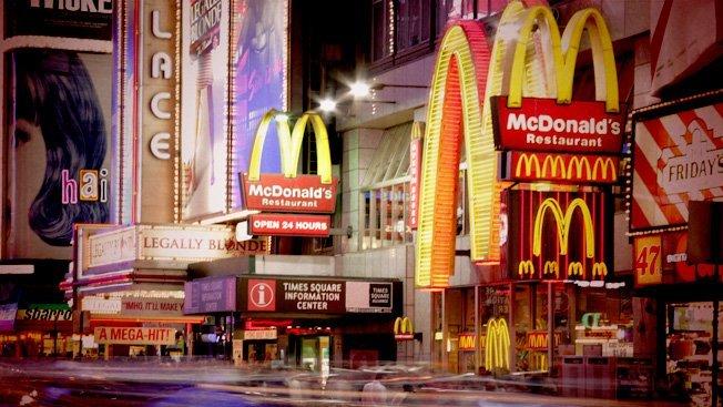 """Lovitură pentru cel mai mare lanţ de restaurante fast-food. """"A fost un AN NEGRU"""". Ce se întâmplă cu vânzările"""