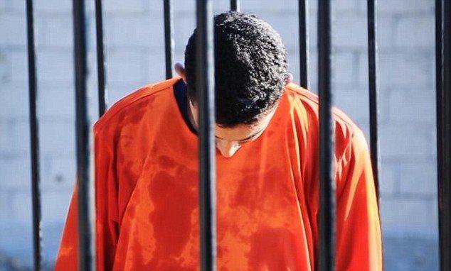 Pilotul iordanian capturat de teroriştii de la Statul Islamic a fost ars de viu într-o cuşcă