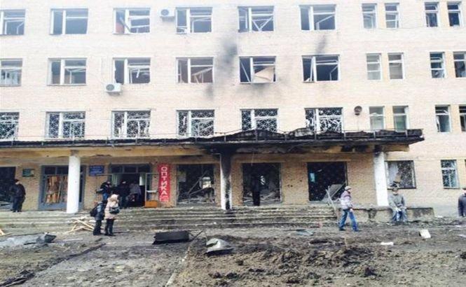 Un spital din Donetsk a fost lovit de tiruri de artilerie. Cel puţin 15 persoane au murit