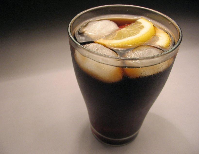 """Ce transformări se petrec in corpul tau dupa cei bei bauturi de tip """"cola"""""""