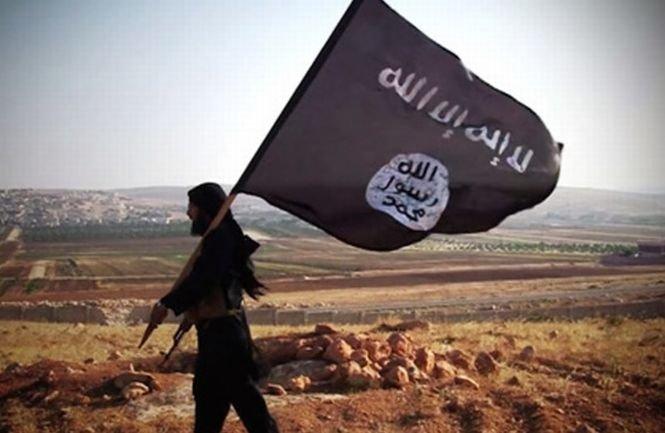 Steaguri ale organizaţiei teroriste Stat Islamic, arborate pe case din Bosnia-Herţegovina