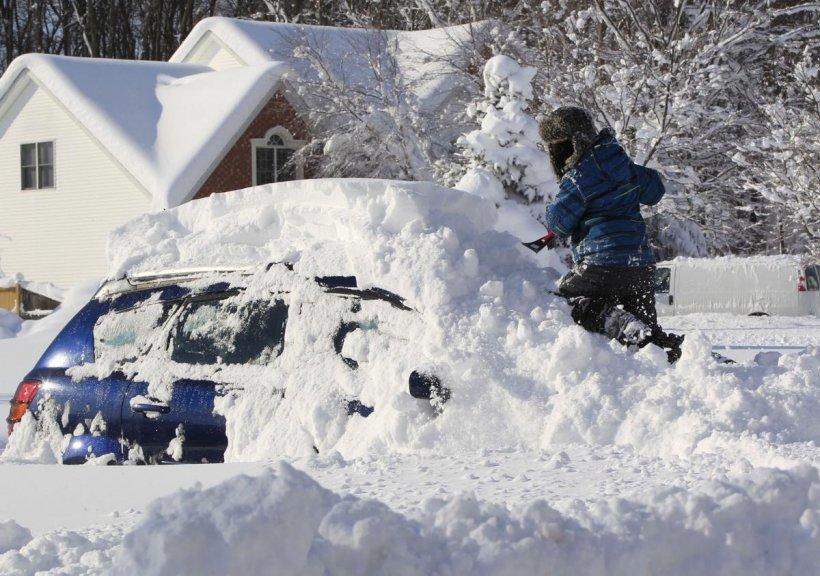 """Autorităţile au decretat STARE de URGENŢĂ: """"Furtuna de zăpadă va lovi centrul statului"""""""