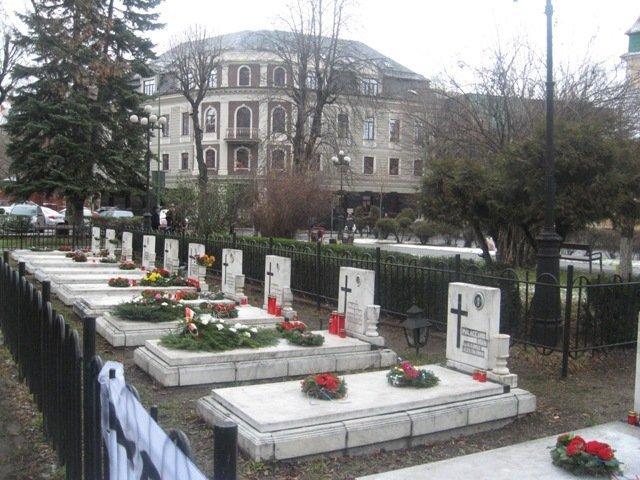 Eroii care nu au murit în oraşul potrivit trec pe la Parchetul General