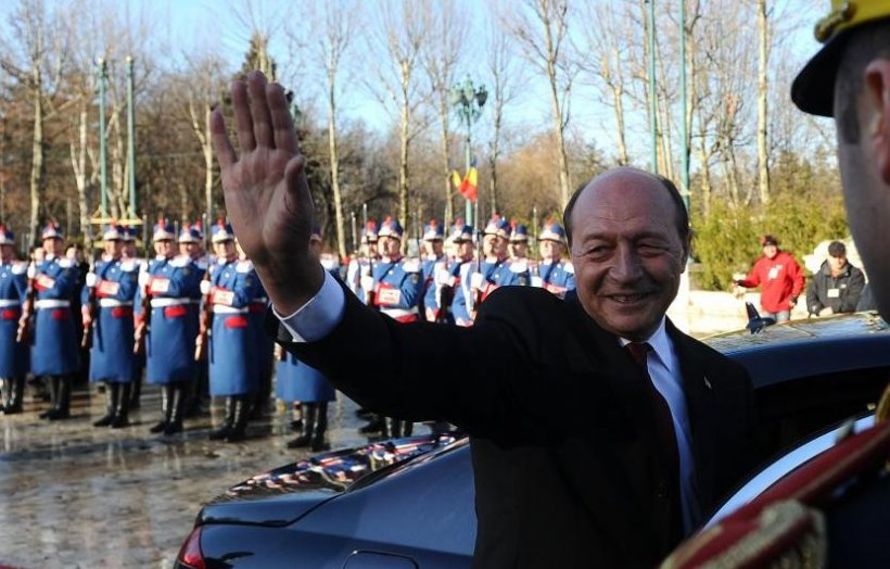 SINTEZA ZILEI. Traian Băsescu, acuzat de înaltă trădare?