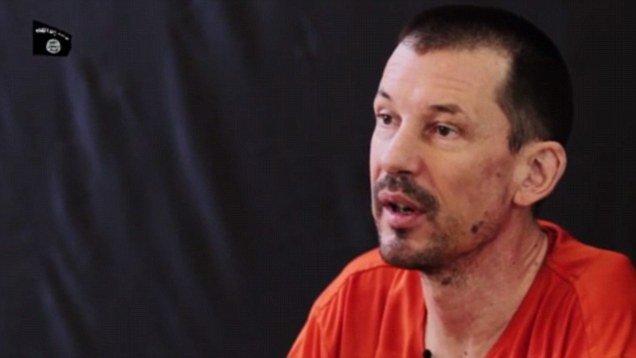 """Statul Islamic publică """"ultima înregistrare"""". Jurnalistul britanic John Cantlie, filmat de terorişti"""